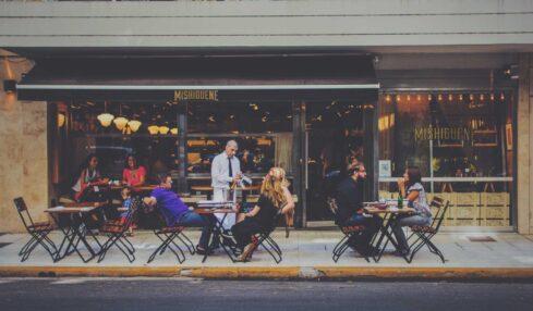 turismo - ristorazione - lavoratori sfruttati - articolo Maurizio Corte - Heraldo.it - photo Henrique Felix