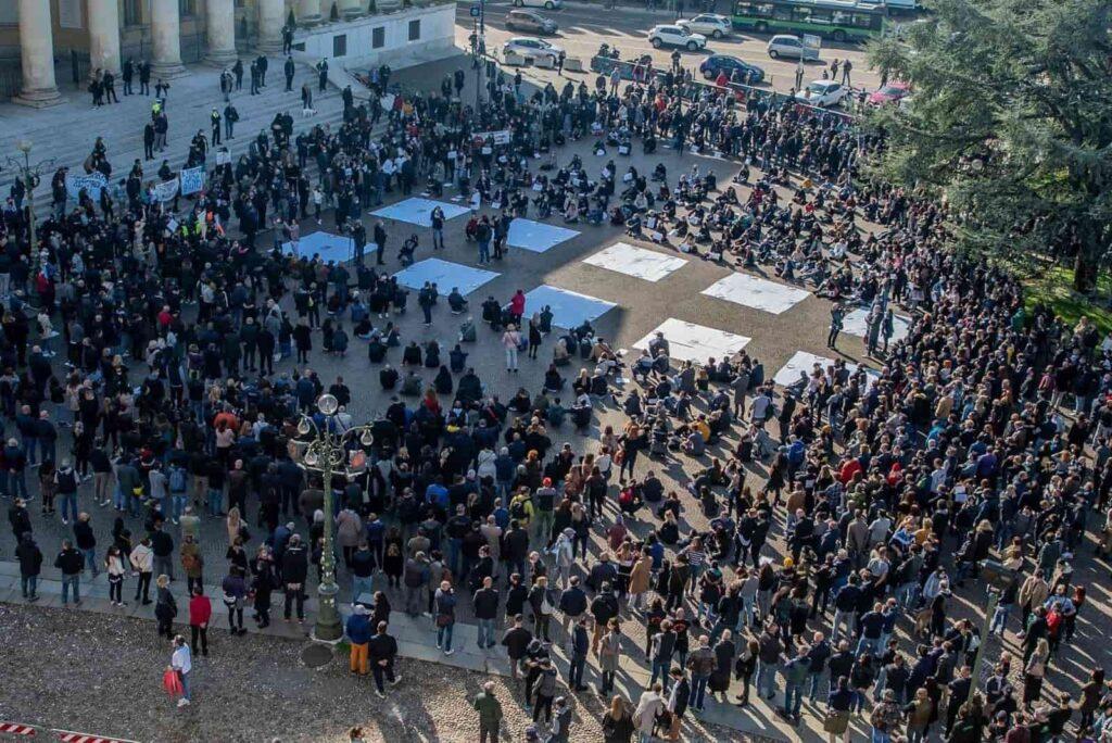 Coronavirus Proteste a Verona - protesta ristoranti, bar, pizzerie, pubblici esercizi contro misure governo Dpcm - articolo Maurizio Corte - Heraldo.it