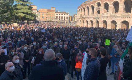 Coronavirus Verona - protesta ristoranti, bar, pizzerie, pubblici esercizi contro misure governo Dpcm - articolo Maurizio Corte - Heraldo.it