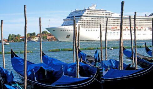 navi-da-crociera-venezia-pixabay